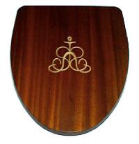 Toiletsæde med udfræset logo